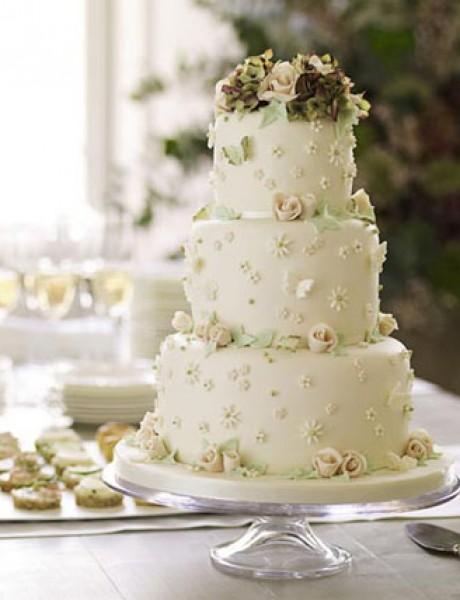 Nežne torte za prolećno venčanje