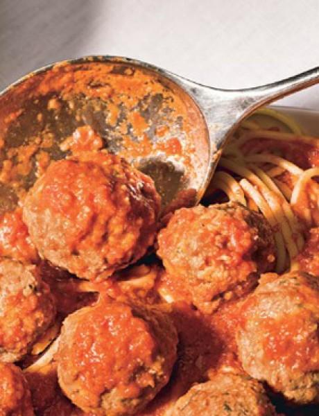 Tradicionalan obrok: Špagete sa ćuftama i sosom od paradajza