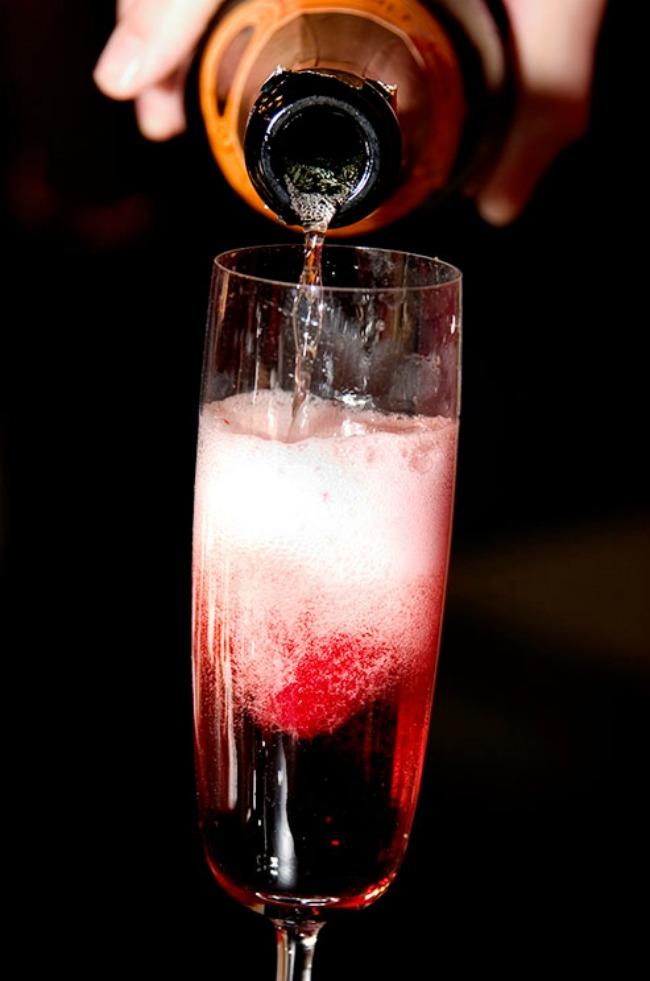 426 Rosé vino za divan početak braka