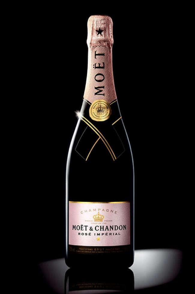 523 Rosé vino za divan početak braka