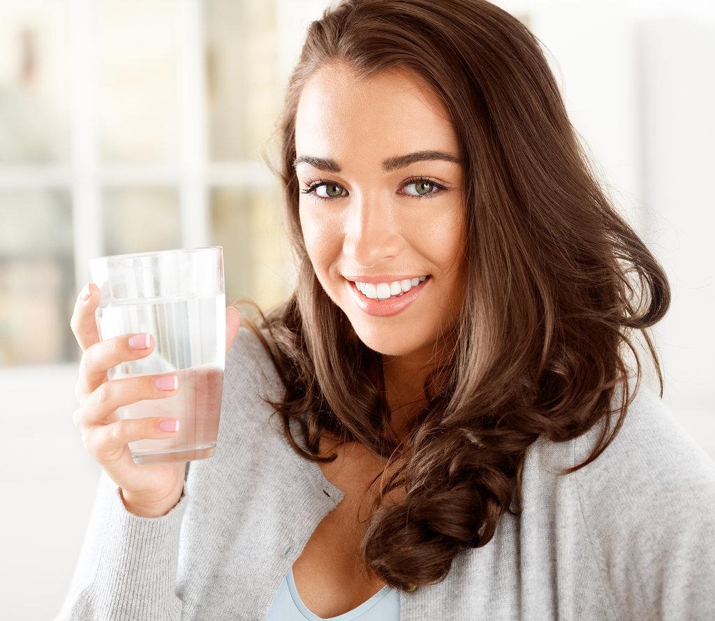 Drink Up Good Stuff Zdrava i lepa: Tri jednostavna načina za detoksikaciju tokom večere