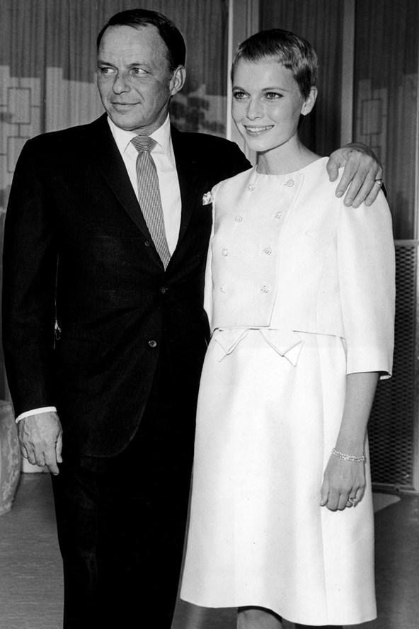 Mia farrow wedding Frank Sinatra glamour 28jan14 getty b 592x888 Venčanje iz snova: Alternativne venčanice