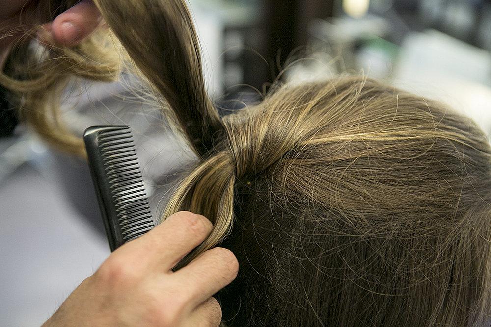 Step Three Half Back Hair Reception Tri različite frizure za jedno venčanje