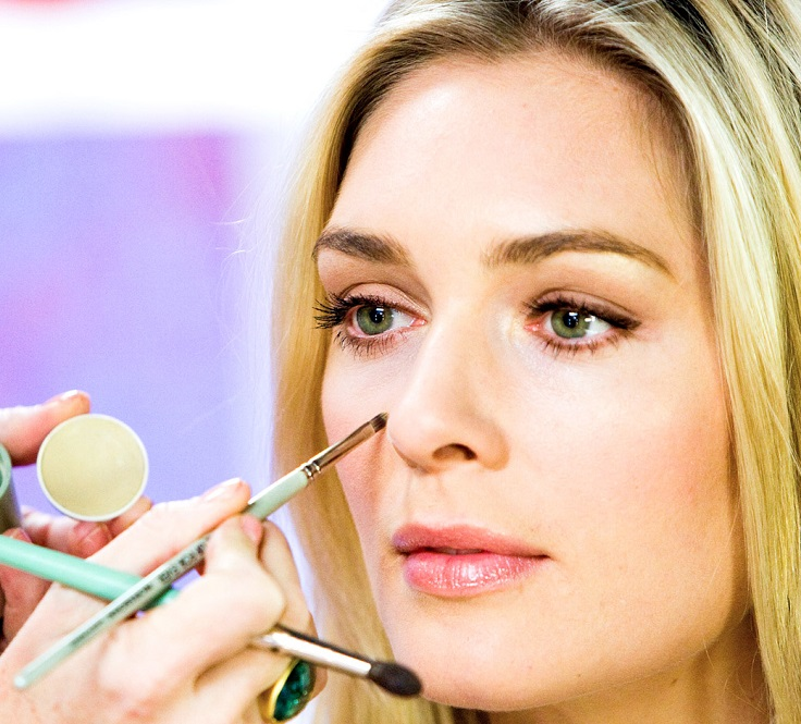 Under Eye Concealer is a Must Beauty lekcije: Saveti za zauzete mame