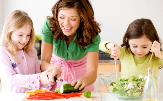 post 8 Benefits of Eating at Home Hranite se zdravo: Brzo, a nije skupo