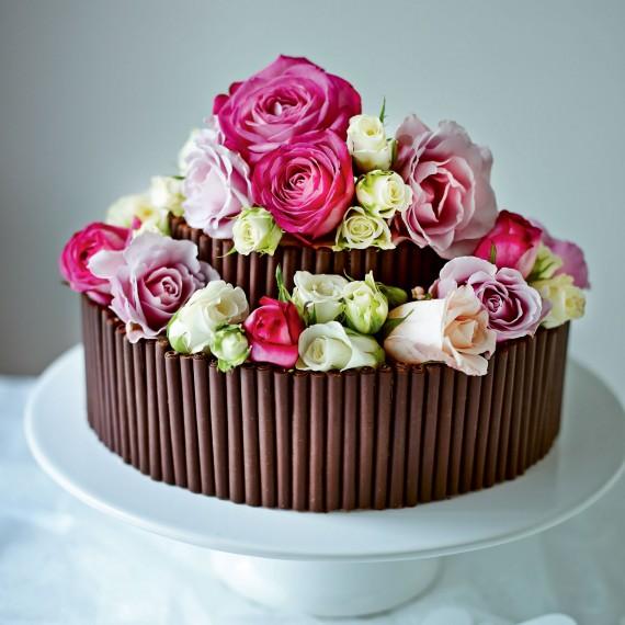 rose and chocolate wedding cake Venčanje iz snova: Raskošne torte