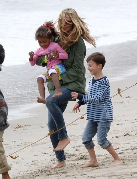 Lou+Samuel+Heidi+Klum+Martin+Take+Kids+Beach+1Rwp9fOaTuzl Da li je moguće biti mama, a dobra riba?