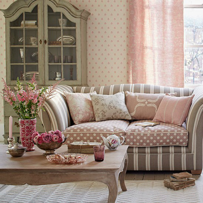 Pink and Taupe Living Room Country Homes and Interiors Housetohome Boje vašeg doma: Unesite živosti u svoj stan