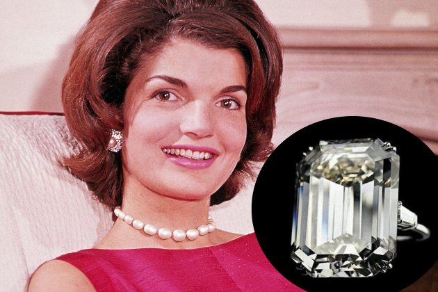 embedded Jacqueline Kennedy Engagement Ring From Aristotle Onassis Najskuplje vereničko prstenje poznatih ličnosti
