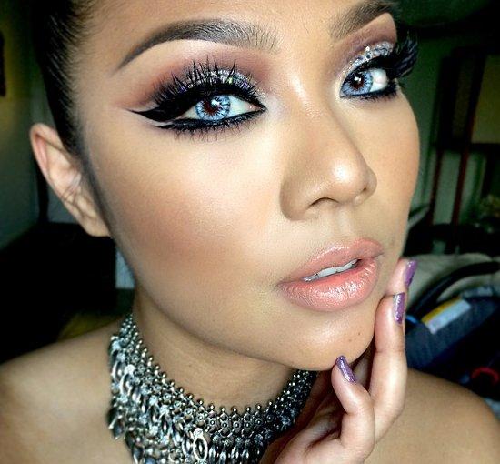 embedded cat eye makeup trend Kako da se našminkaš ovog leta?