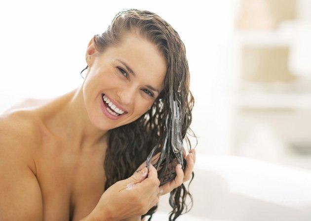 embedded hair conditioning Letnja nega: Da li dovoljno neguješ svoju kosu?