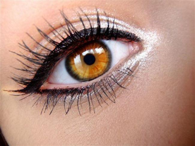 oko6 Pet trikova da vam oči izgledaju krupnije