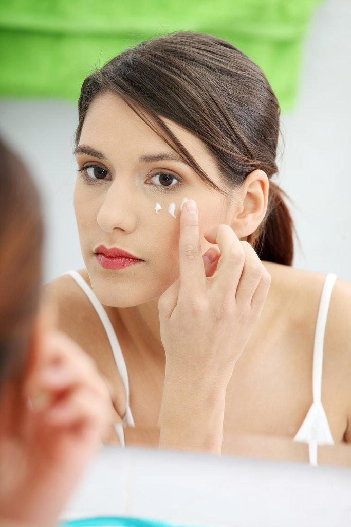 Boost your eye serum Beauty trikovi: Vazelin za svaku namenu