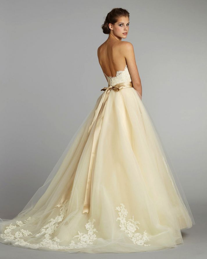 fall 2012 wedding dress lazaro bridal gowns 3251 b  full Horoskop i mlade: Kakve venčanice biraju predstavnice različitih horoskopa?