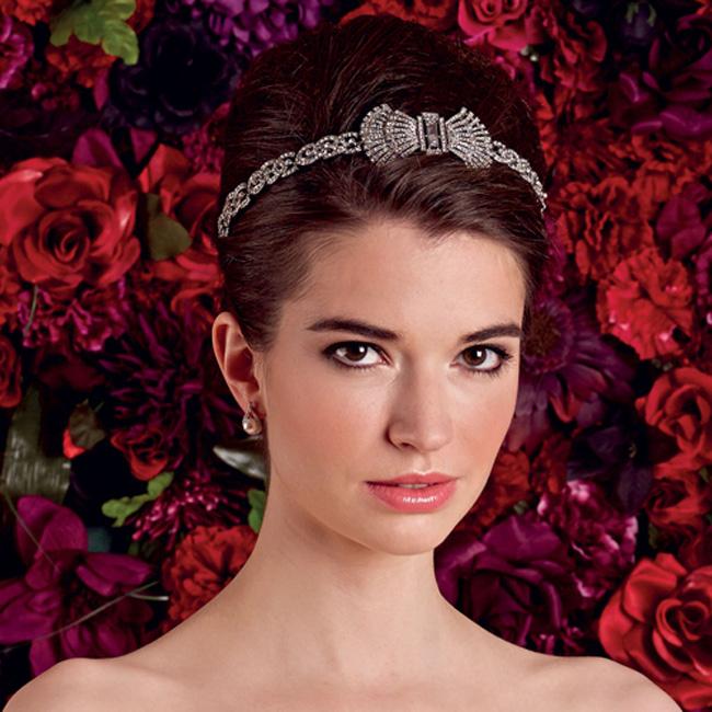 frizura Lepi na venčanju: 5 načina kako da lakše odaberete aksesoare
