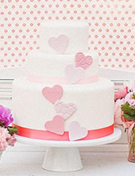 Torte za venčanja: Desert ukrašen srcima