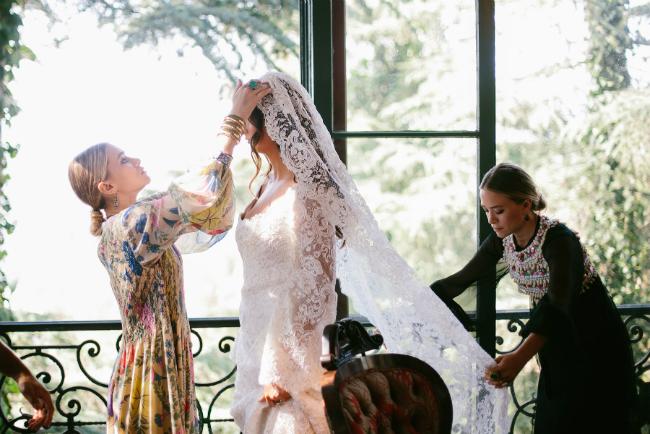 main Snovi se ostvaruju: Meri Kejt i Ešli Olsen dizajnirale venčanicu