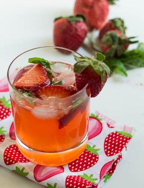 Osvežavajući napitak: Mohito koktel od jagode i limuna