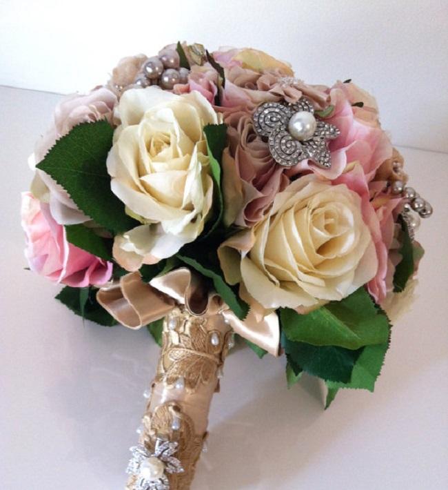 Buketi Inspiracija za venčanje: Buketi ukrašeni cirkonima