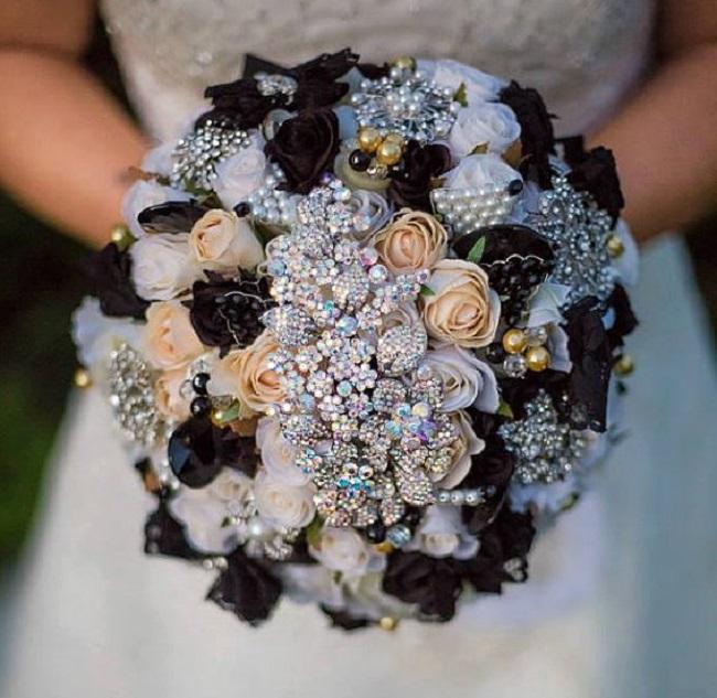 Buketi2 Inspiracija za venčanje: Buketi ukrašeni cirkonima