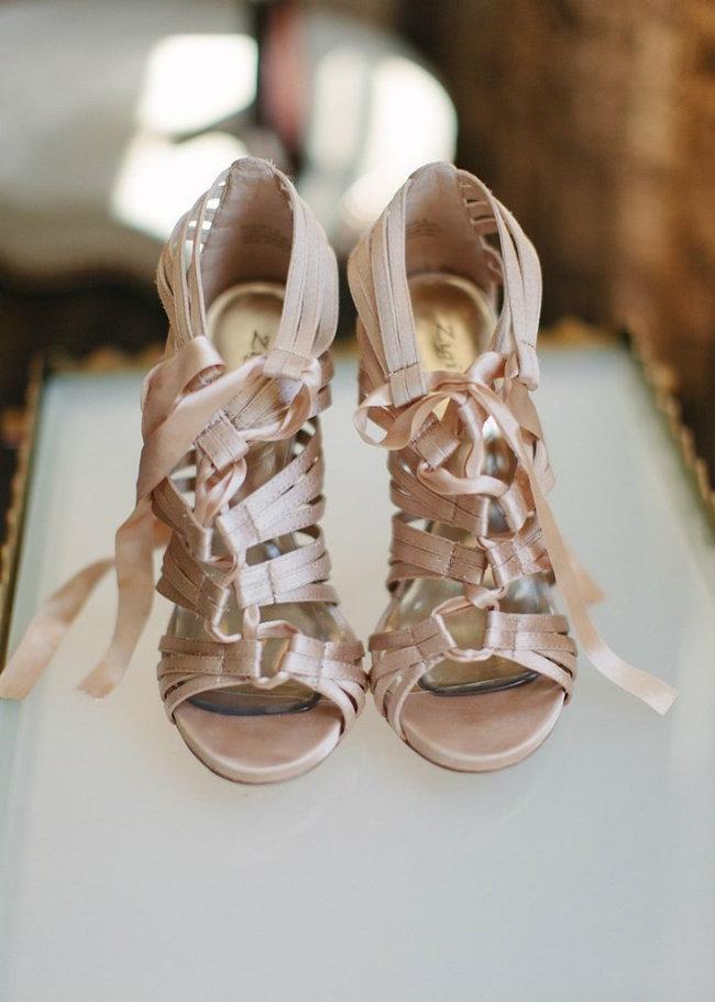Cipele za venčanje Modeli koji će vas ostaviti bez daha 9 Cipele za venčanje: Modeli koji će vas ostaviti bez daha