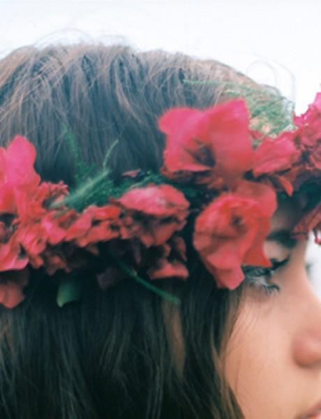 Frizure za venčanje: Pet načina da nosite cvetnu krunu