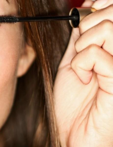 Budite pažljive: Greške koje pravimo prilikom nanošenja maskare