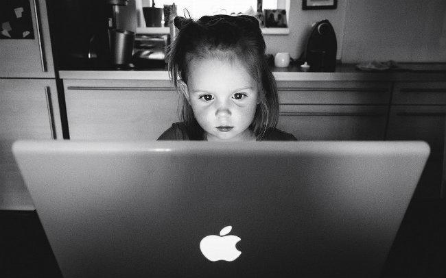 Nove generacije Bezbednost dece na internetu 22 Nove generacije: Bezbednost dece na internetu