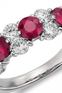 Prstenje od platine: Najbolji izbor za sve mlade