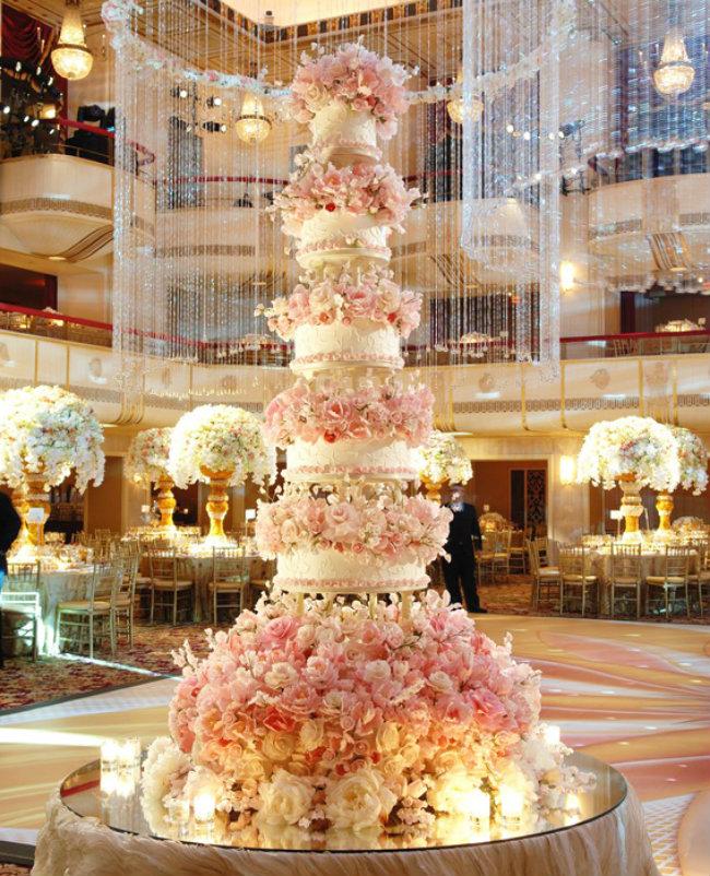 Svadbena torta Torte koje će vam oduzeti dah 7 Šest svadbenih torti koje će vam oduzeti dah