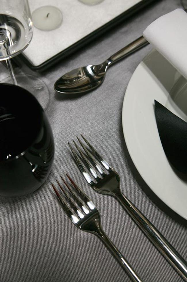 crno bela svadbena dekoracija4 Svadbena dekoracija: Crno bela klasika!