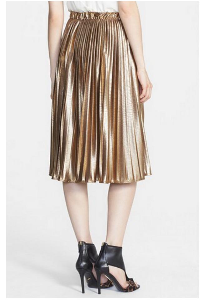 modni predlog za kume metalik plisirana suknja rules of ettiquete Modni predlog za kume: Metalik plisirana suknja