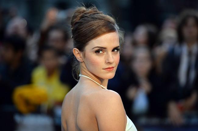 stajlis frizure za mlade visoko podignuta pundja ema votson Stajliš frizure za mlade: Visoko podignuta punđa