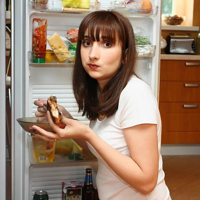 navike u ishrani zbog kojih se gojimo jedete stojeci Navike u ishrani zbog kojih se gojimo