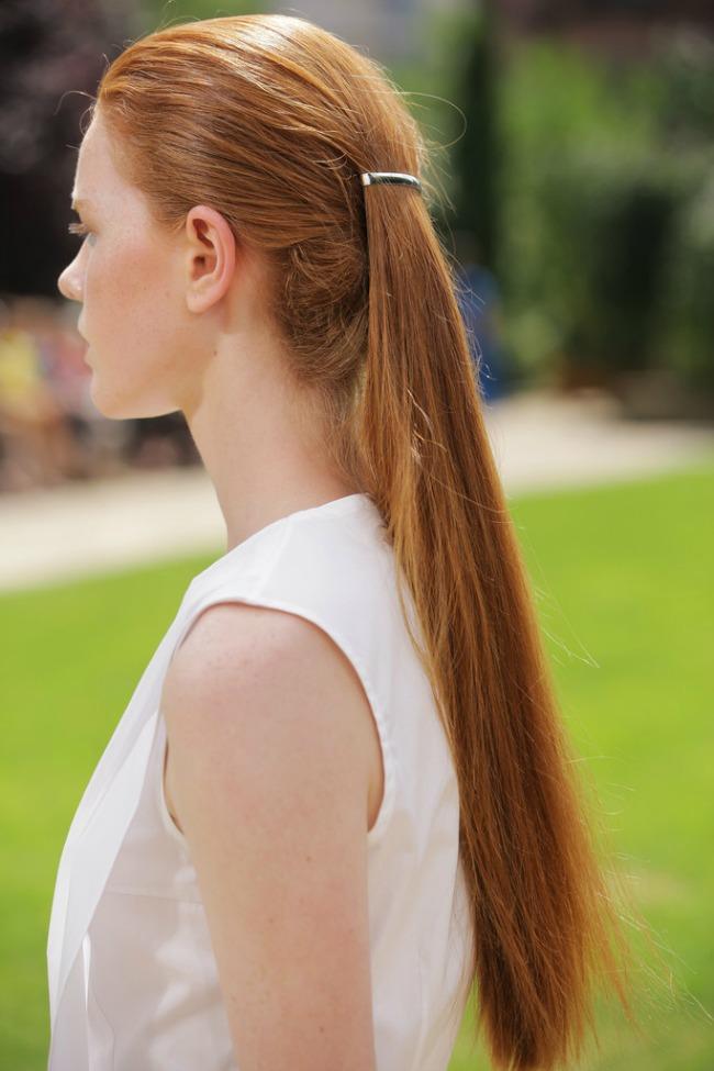 trendi aksesoari elegantne snale za kosu peret sad Trendi aksesoari: Elegantne šnale za kosu