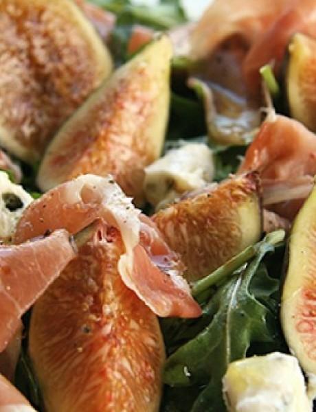 Slatko-slana poslastica: Salata sa pršutom, Gorgonzola sirom i smokvama