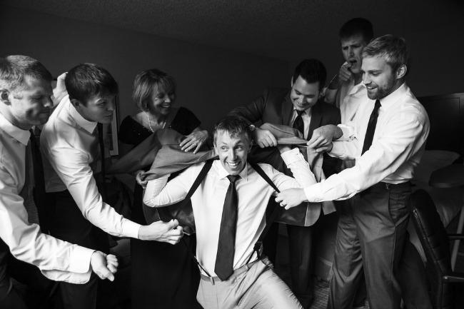 vencanje kad momci poziraju 1 Venčanje: Kad momci poziraju