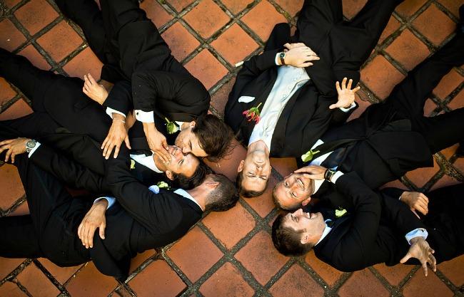 vencanje kad momci poziraju 5 Venčanje: Kad momci poziraju
