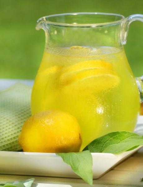 Zašto je dobro piti toplu limunadu ujutru