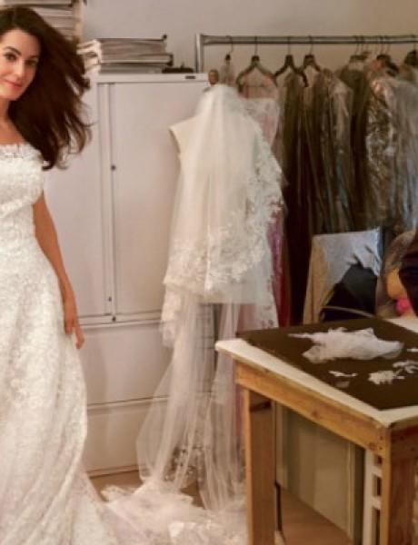 """Najlepše venčanice Oskara de la Rente ovekovečene u magazinu """"Vogue"""""""