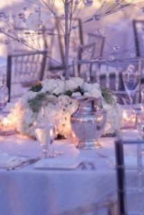 Aranžmani za sto na zimskim svadbama
