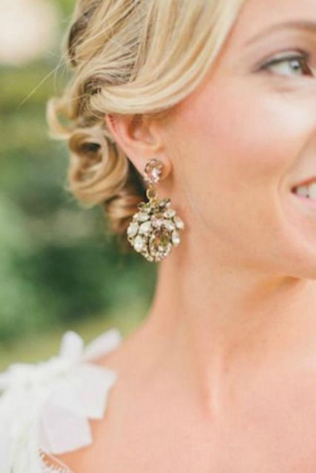 ponesite upecatljive mindjuse na vencanju 9 Ponesite upečatljive minđuše na venčanju