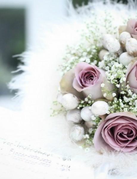 Neraskidiva veza cveća i venčanja