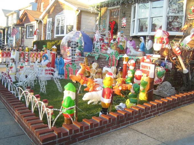 Christmas decorations 21 Novogodišnja euforija: Najukrašenije kuće