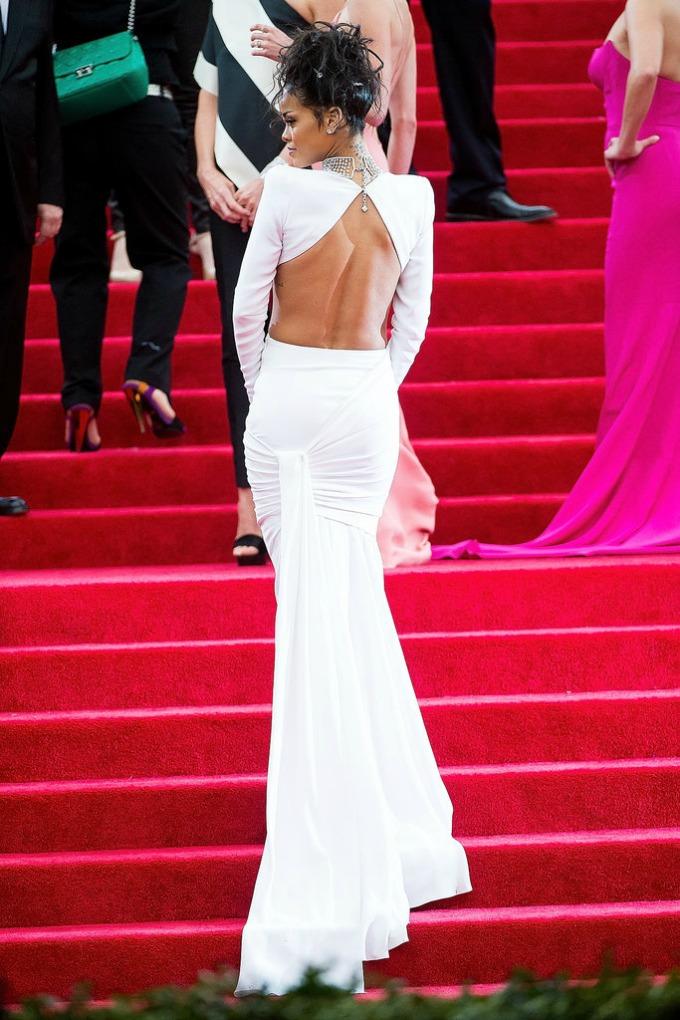 Rihanna stella mccartney Venčajte se u haljini otvorenih leđa