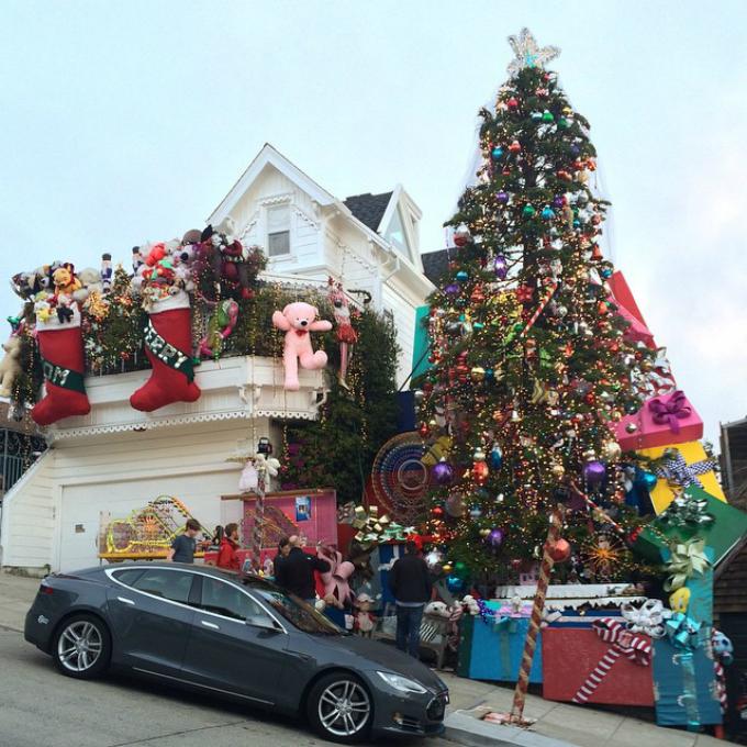 novogodišnja jelka Novogodišnja euforija: Najukrašenije kuće