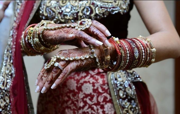 rucni cvet Šta znače delovi nošnje indijske mlade