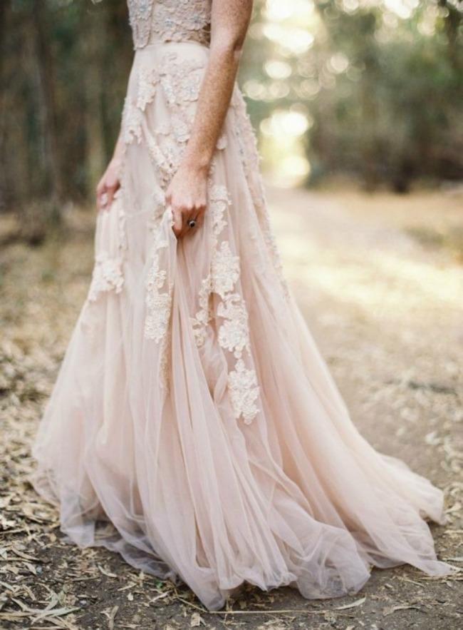seksi haljine za vencanje poluprovidne vencanice 4 Poluprovidne venčanice su u trendu