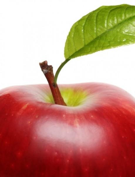 Svadbeni običaji: Bacanje jabuke