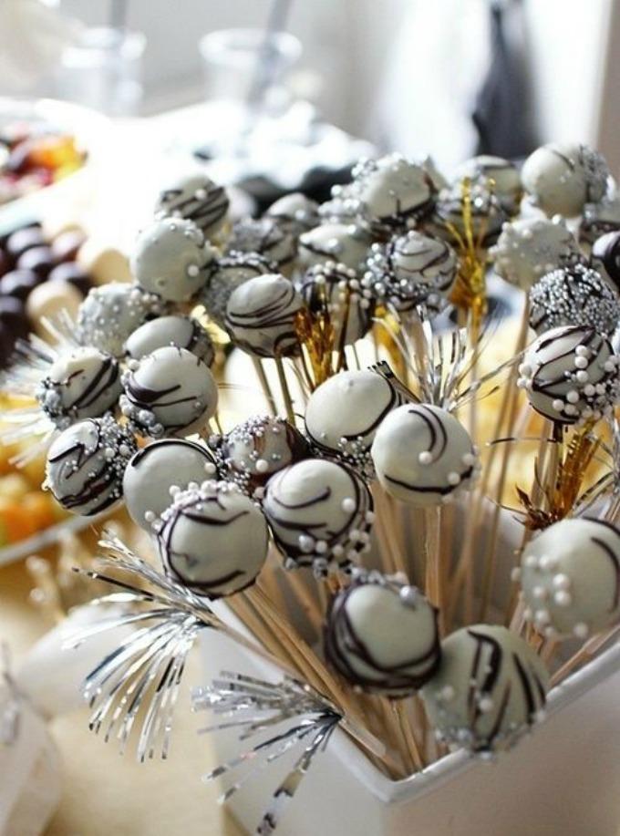 Novodišnja dekoracija na svadbenoj torti 6 Novodišnja dekoracija na svadbenoj torti